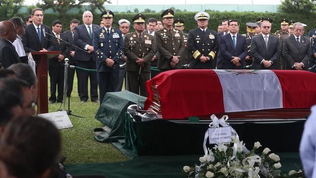 Familiares y autoridades despidieron a ministro de Defensa José Huerta Torres