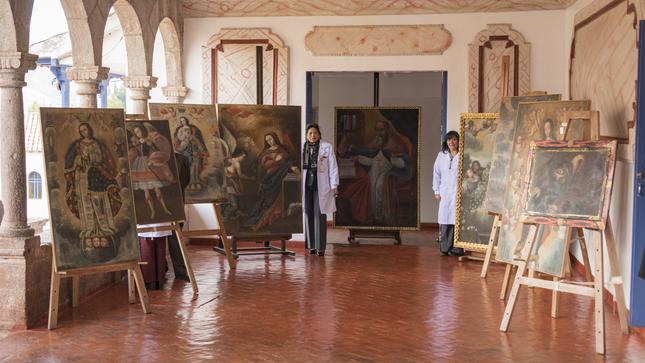 Entregan más de 100 obras de arte restauradas a parroquias cusqueñas