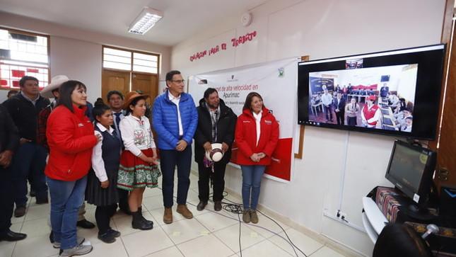 Jefe de Estado: Gobierno realiza grandes inversiones para mejorar la calidad educativa en el país con internet de alta velocidad