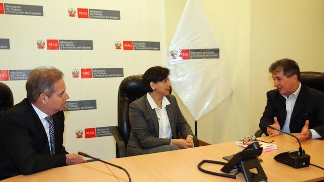 Ministra de Trabajo continúa promoviendo el diálogo entre los trabajadores y los empresarios mineros