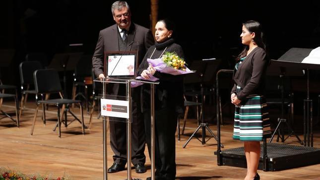 Ministerio de Cultura y Proyecto Bicentenario rindieron primer homenaje a reconocida cantautora peruana Alicia Maguiña   Gobierno del Perú