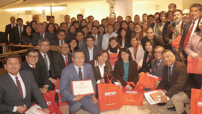 SERVIR presenta a 68 profesionales altamente calificados como nuevos gerentes públicos