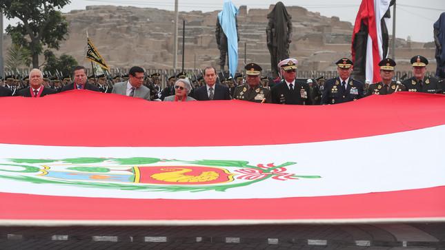 Ministro de Defensa presidió ceremonia por 199.° aniversario de la Creación de la Primera Bandera