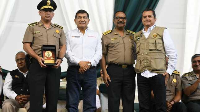 Ministro del Interior expresa su pleno respaldo al Comandante General de la Policía