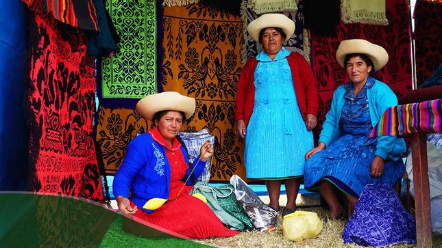 Declaran Patrimonio Cultural de la Nación a los conocimientos, técnicas y prácticas asociados a la producción de tejidos en Qallwa