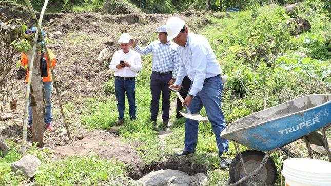 Colocan primera piedra de obras que mejorarán acceso y experiencia turística a la catarata Ashpachaca