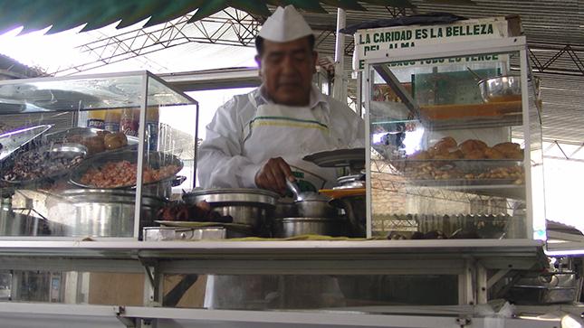 Minsa recomienda a los asistentes a eventos masivos de hoy tener cuidado con la comida que ingieren