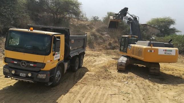 Ministerio de Vivienda envía maquinaria pesada para atender emergencia en Huancabamba