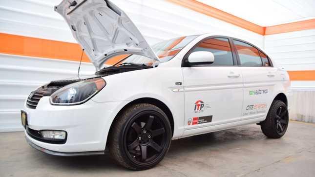 ITP: Presentan vehículo 100% eléctrico que carga con energía doméstica de 220 voltios