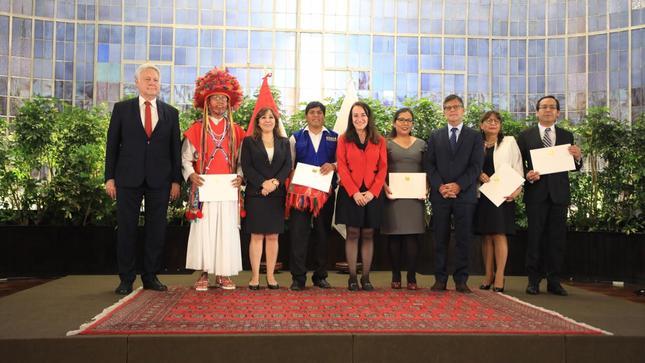 Ministra Ana Teresa Revilla participa en reconocimiento  a Embajadores de la Integridad 2019
