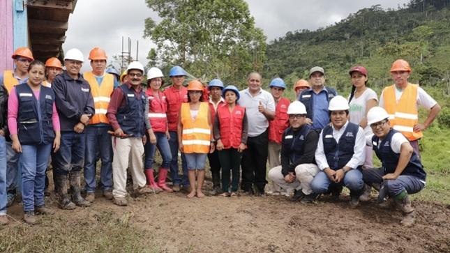 Colocan primera piedra para obra de Agua Potable y Saneamiento en caserío Valle Hermoso