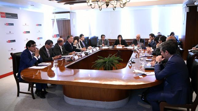 MEF impulsa estrategia para mejorar la posición del Perú en los ranking internacionales de competitividad