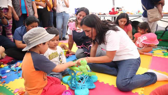 Minedu brinda soporte socioemocional a  los niños afectados por la tragedia en Villa El Salvador