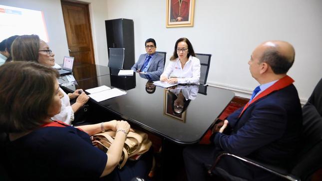 Ministra de Justicia sensibiliza a jueces para aplicar medidas alternativas a la prisión efectiva