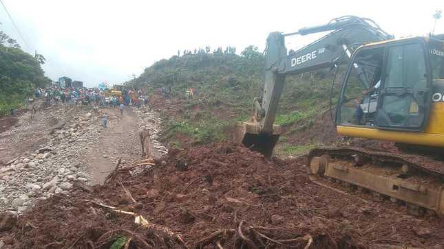 MTC desplegó un pool de 15 maquinarias para restablecer el tránsito en la carretera Federico Basadre
