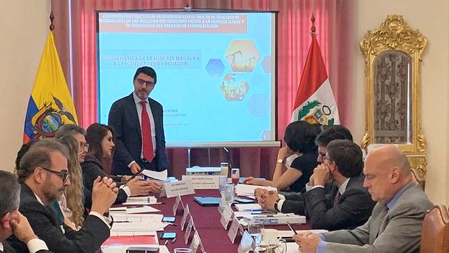 Perú y Ecuador comprometidos en la lucha frontal contra la minería ilegal en zonas de frontera
