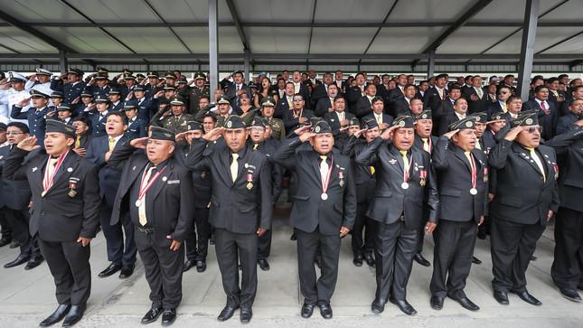 Ministro de Defensa destacó el heroísmo de los Gigantes de Cenepa al cumplirse 25 años del conflicto
