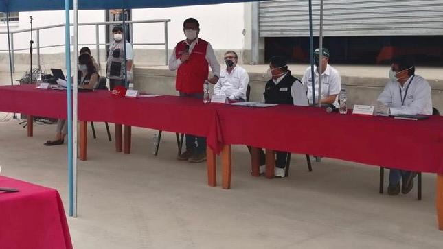 """Ministro de Agricultura y jefa del """"Comando Covid-19"""" instalan en Tacna comando regional"""