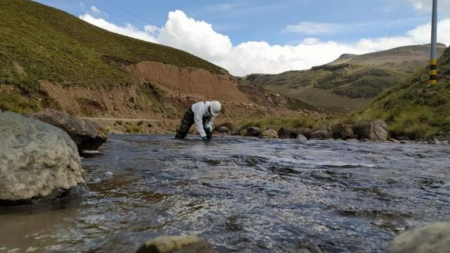 Gobierno amplía estado de emergencia en distritos de Puno por contaminación de agua para consumo humano