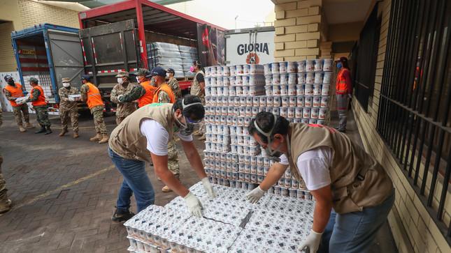 "Ministerio de Defensa, Cáritas y América Televisión relanzan campaña ""Ayúdanos a ayudar"""