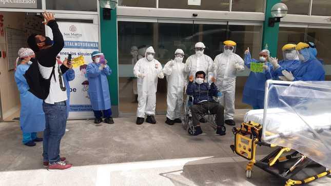 TERCER PACIENTE COVID 19 INTERNADO EN UCI RECIBE ALTA DEL HOSPITAL DE MOYOBAMBA