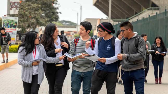 3 mil universitarios afectados por emergencia sanitaria recibirán  créditos del Minedu