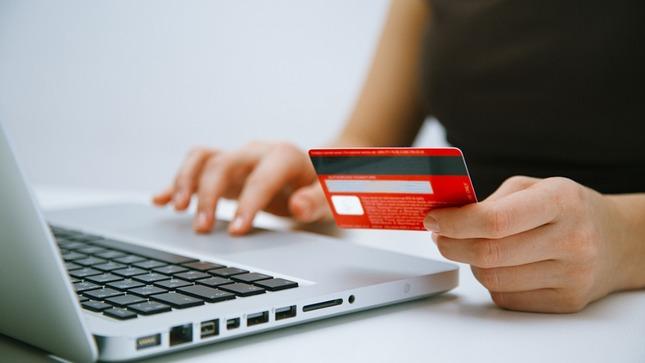 Produce trabaja propuestas de política pública para el desarrollo del comercio electrónico en el país