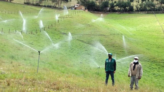 Minagri instalará sistema de riego tecnificado en regiones de Ayacucho, Cajamarca y Arequipa