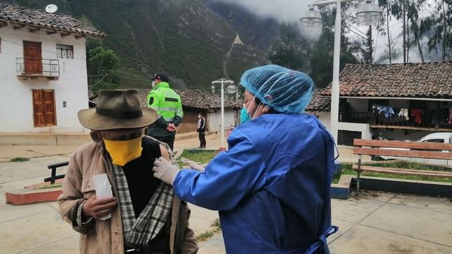 Continúa campaña de vacunación contra la influenza en Santiago de Chuco