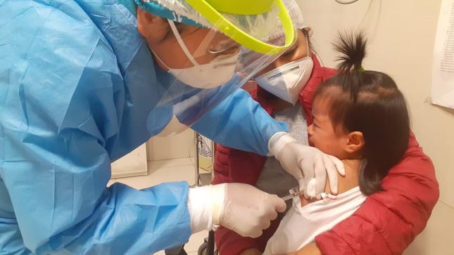 Se inicia vacunación a niños de alto riesgo en el INMP
