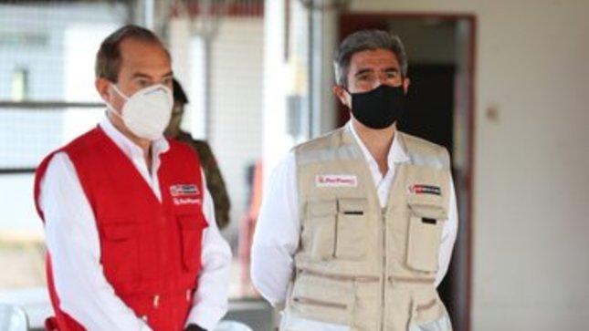 """Ministro de Cultura participa en Acción Cívica """"Operación de Ayuda Humanitaria"""" en Andoas"""
