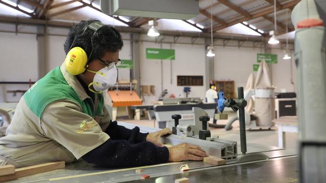 Mipymes del sector madera recibirán atención presencial especializada en soporte productivo y uso de laboratorio