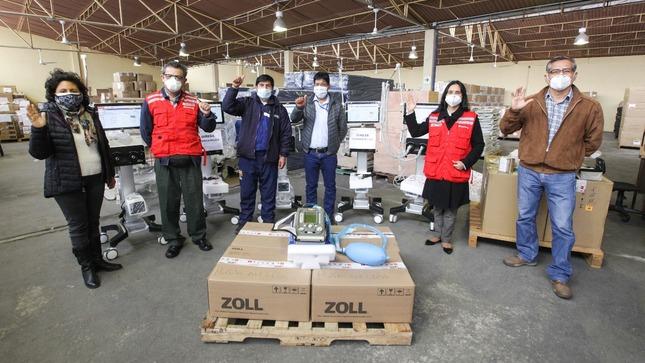 Ejecutivo hace entrega de ventiladores y camas de hospitalización a Gobierno Regional de Huancavelica para la atención de casos graves de COVID-19