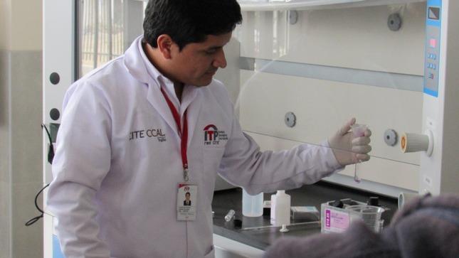 La Libertad: Produce implementa nuevos servicios de laboratorio físico y químico para emprendedores del rubro cuero y calzado