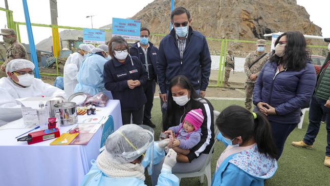Presidente Vizcarra participa en campaña de salud y vacunación en El Agustino