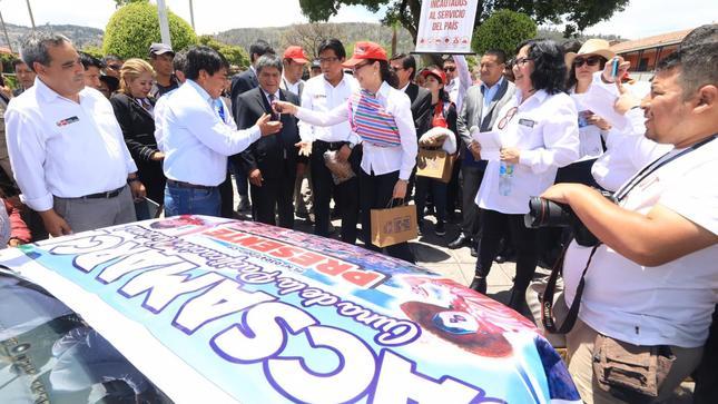 MINJUSDH entrega 44 vehículos a diversas entidades y gobiernos locales en Ayacucho
